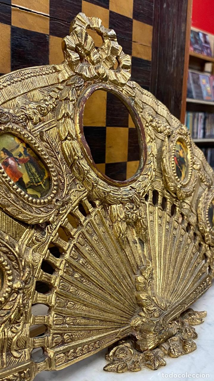 Antigüedades: ABANICO DE BRONCE CON IMAGENES de goya, CON BASE DE MÁRMOL - Foto 5 - 221393247