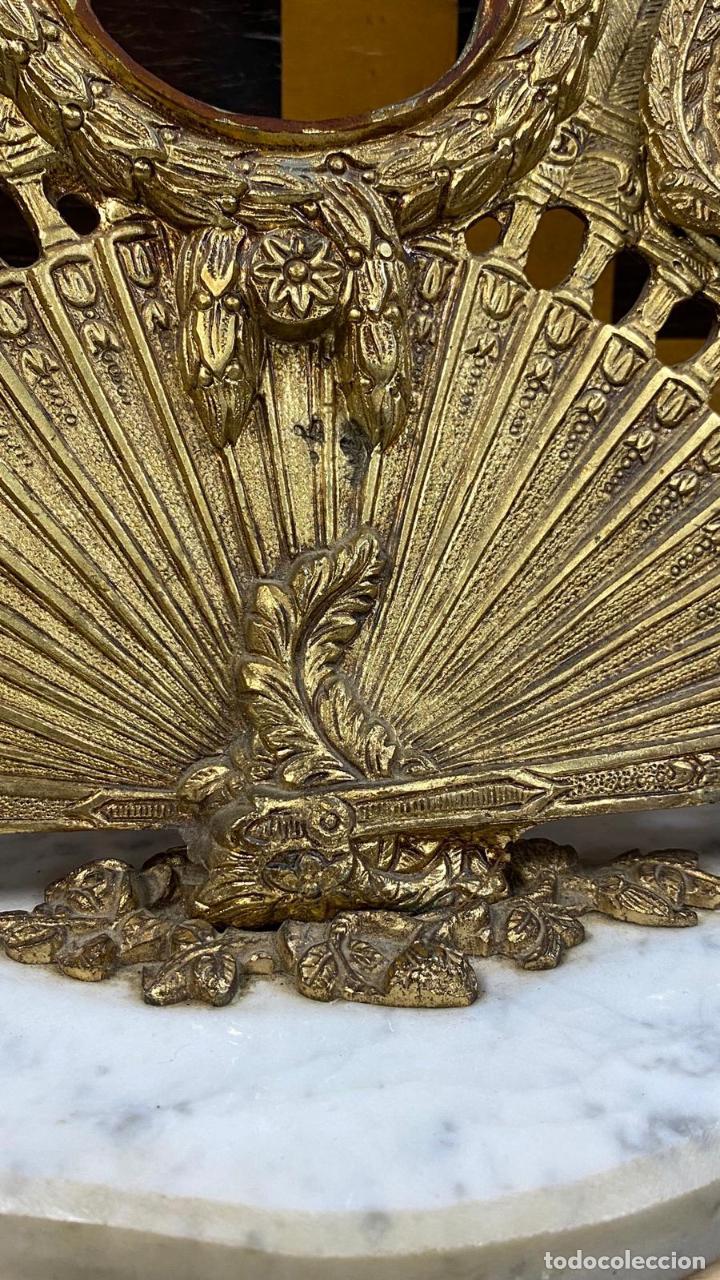 Antigüedades: ABANICO DE BRONCE CON IMAGENES de goya, CON BASE DE MÁRMOL - Foto 7 - 221393247