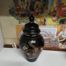 Antigüedades: JARRÓN CON TAPA TIBOR CHINO PINTADO A MANO PRIMERA MITAD SIGLO XX. Lote 221410097