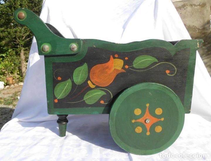 Antigüedades: Carrito de madera pintado a mano - Foto 2 - 221411180