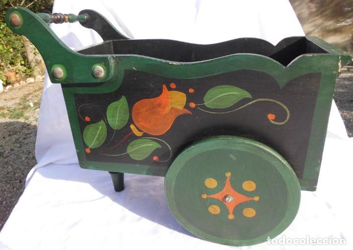 Antigüedades: Carrito de madera pintado a mano - Foto 3 - 221411180