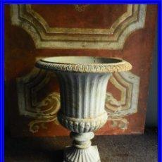 Antigüedades: PRECIOSA COPA MEDICI DE HIERRO ALTURA 48 CM TENGO PAREJA. Lote 221411217