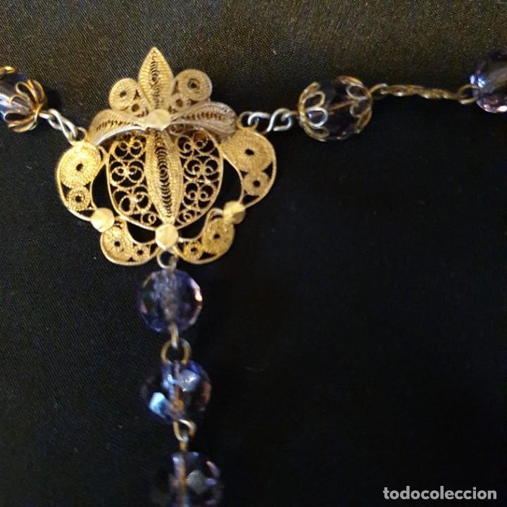 Antigüedades: Precioso rosario de oro 18k con cuentas de cristal lila, mediados siglo XIX, caja original - Foto 6 - 221416517