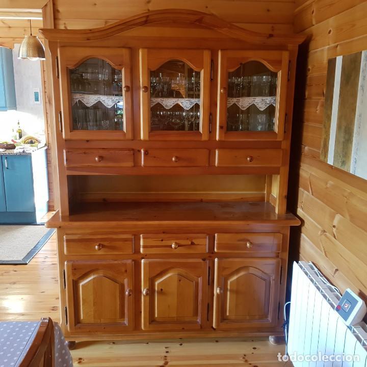 Antigüedades: Mueble comedor con mesa y seis sillas de pino blanco autentico, excelente conservacion. Solo recoger - Foto 4 - 221449435