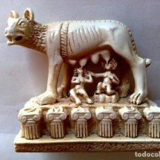 Antigüedades: ESCULTURA DE RESINA DEL MONUMENTO ROMA-MALU.. Lote 221527665