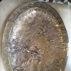 Antigüedades: BANDEJA ESCENA APOCALIPSIS LUCHA DEMONIO Y ANGELES ANTICRISTO S. XIX DIABLO FIN DEL MUNDO. Lote 221549866
