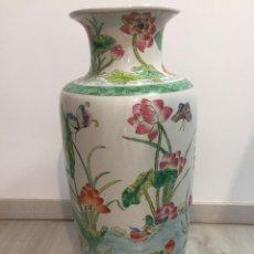 Antigüedades: JARRON CHINO GRANDE FLORES Y MARIPOSAS. Lote 221553505