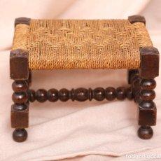 Antigüedades: PEQUEÑO ASIENTO SILLA DE BOBINA.. Lote 221557840