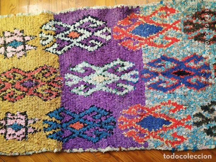 Antigüedades: Altigua alfombra bereber. 1,57 x 63 cm - Foto 4 - 221560643