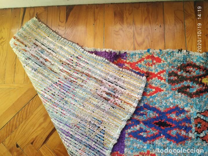 Antigüedades: Altigua alfombra bereber. 1,57 x 63 cm - Foto 5 - 221560643