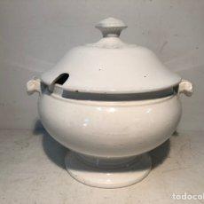 Antigüedades: ANTIGUA SOPERA BLANCA PICKMAN SEVILLA.. Lote 221567841