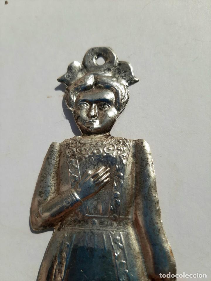 Antigüedades: Exvoto plata XIX. Iglesia, santo, virgen, cap i pota. - Foto 5 - 221569476