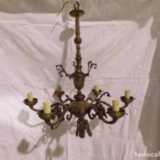 Antigüedades: BONITA DE LAMPARA DE BRONCE MUY DECORADA DE 9 LUCES VINTAGE PARA RESTAURAR. Lote 221572552