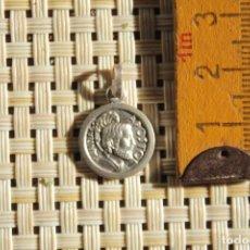 Antigüedades: MEDALLA DE SANTIAGO APOSTOL - INSCRIPCION AÑO SANTO. Lote 221574007