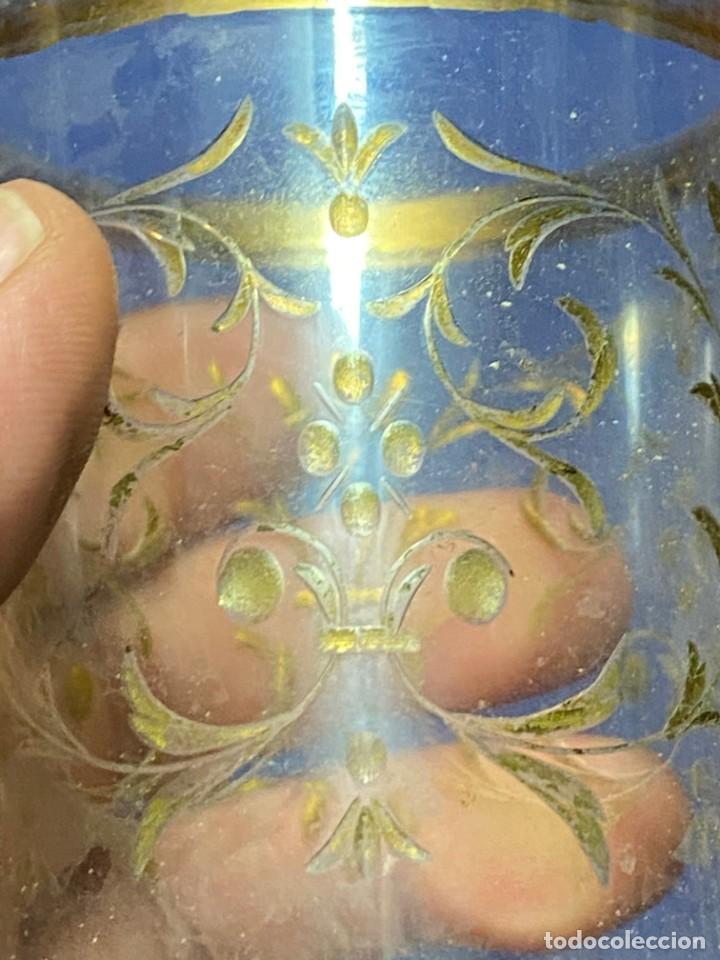 Antigüedades: vaso vidro tallado dorado tipo granja s xix grabado rueda 9x6,5cms - Foto 13 - 221608877