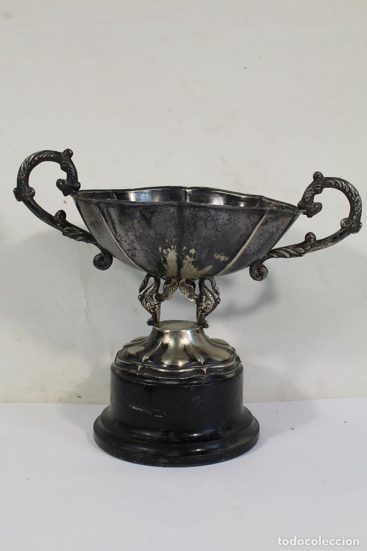 Antigüedades: copa trofeo de alpaca - Foto 3 - 221632283