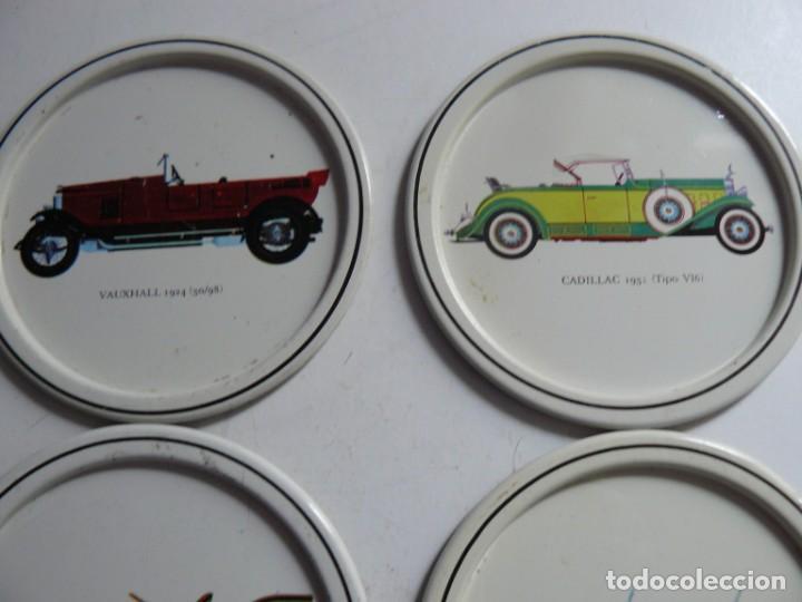 Antigüedades: POSA-VASOS DE CHAPA CON MOTICOS DE AUTOMOVILES ANTIGUOS AÑOS 70 - Foto 2 - 195226450