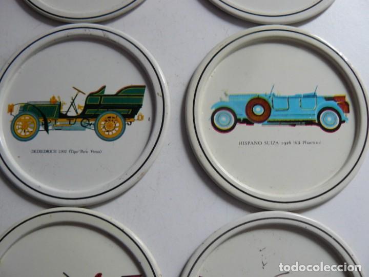 Antigüedades: POSA-VASOS DE CHAPA CON MOTICOS DE AUTOMOVILES ANTIGUOS AÑOS 70 - Foto 3 - 195226450