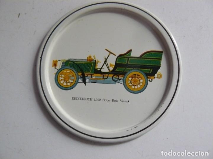 Antigüedades: POSA-VASOS DE CHAPA CON MOTICOS DE AUTOMOVILES ANTIGUOS AÑOS 70 - Foto 5 - 195226450