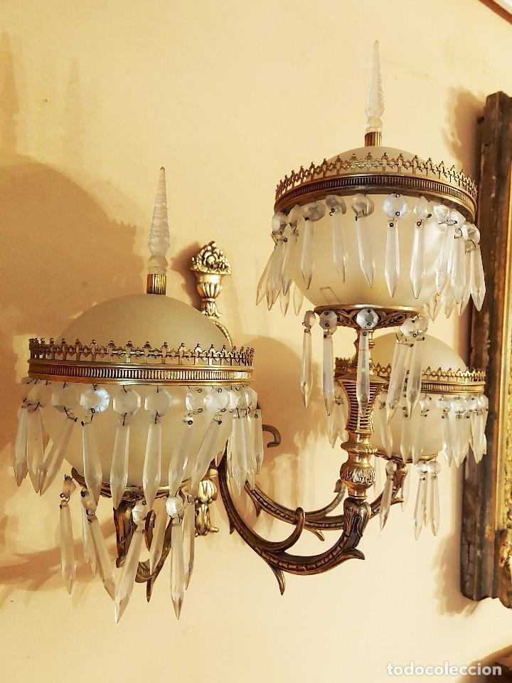 Antigüedades: APLIQUE BRONCE Y LATON TULIPAS DE BOLAS Y LAGRIMAS DE CRISTAL - Foto 4 - 221678053