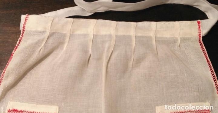 Antigüedades: VD 20 Delantal blanco roto traje regional i/o disfraz - Con punto de cruz - 35cm x 43cm - Foto 4 - 221703026