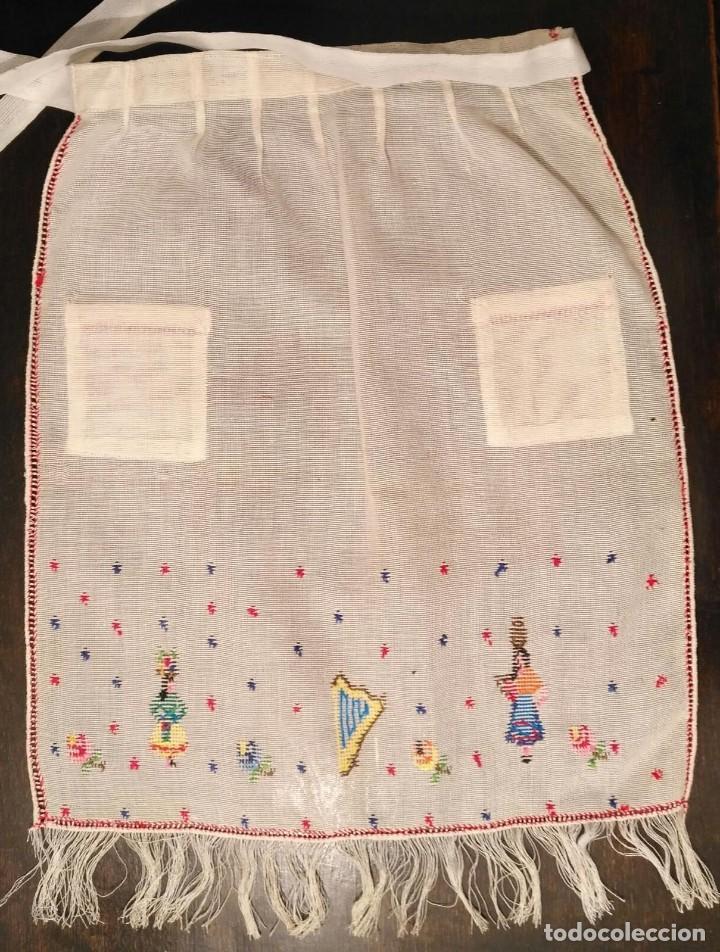 Antigüedades: VD 20 Delantal blanco roto traje regional i/o disfraz - Con punto de cruz - 35cm x 43cm - Foto 5 - 221703026