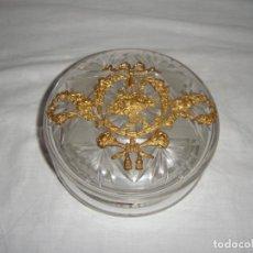 Antigüedades: PRECIOSA BOMBONERA MODERNISTA. CRISTAL TALLADO.. Lote 221712723