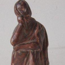 Antigüedades: FIGURA FEMENINA DE TERRACOTA. Lote 221722492