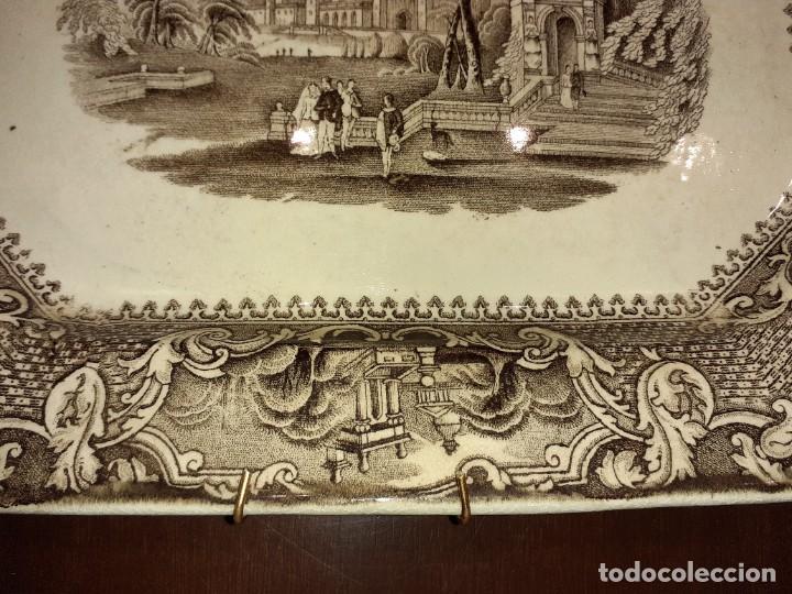 Antigüedades: Preciosa bandeja escenas romanticas, sello San Juan Aznalfarache S.XIX. - Foto 9 - 221761597