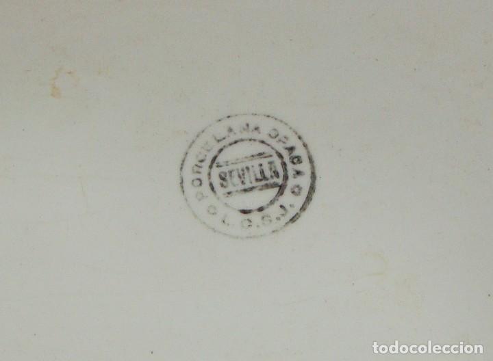 Antigüedades: Fuente ovalada grande. China Opaca - Sevilla. Pintado a mano. Filos en oro. (53 cm x 22 cm) - Foto 7 - 221772880
