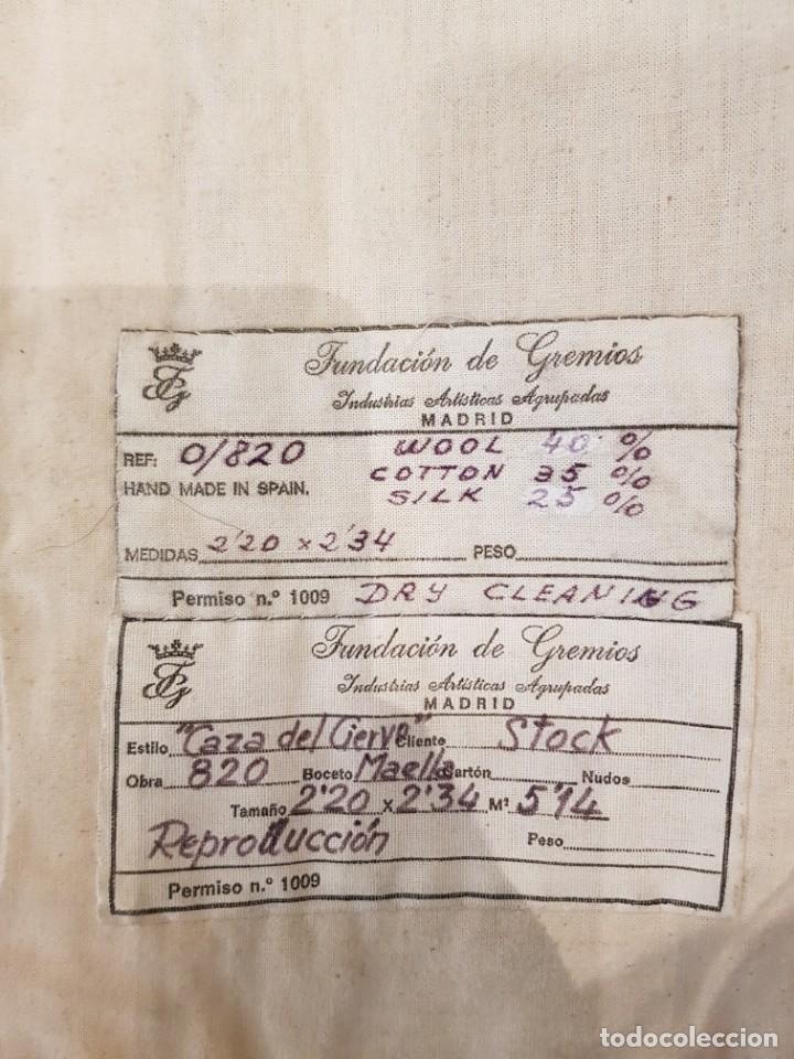 """Antigüedades: Tapiz manual Fundacion de Gremios, 1986. """"Caza del ciervo"""" de Salvador Maella - Foto 5 - 221774592"""