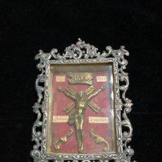 Antigüedades: RELICARIO CON LA IMAGEN DE CRISTO EN BRONCE.. Lote 221783460