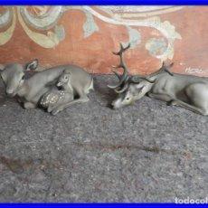 Antigüedades: SIMPATICAS FIGURAS DE PORCELANA DE UNOS CIERVOS FIRMADOS MARTINO. Lote 221793833