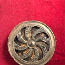 Antigüedades: MIRADOR DE PUERTA EN BRONCE 12CM DIÁMETRO. Lote 221889402