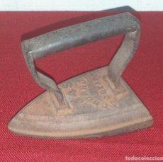 Antigüedades: ANTIGUA PLANCHA DE HIERRO. Lote 221889727