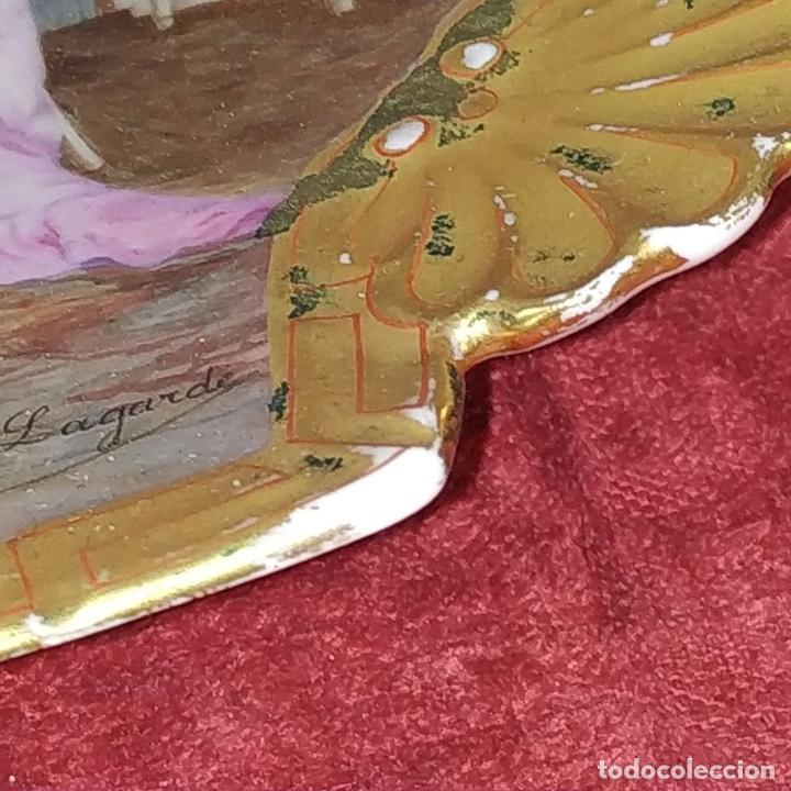 Antigüedades: PLATO. PORCELANA BELLAMENTE ESMALTADO. FIRMADO A DE LAGARDE. FRANCIA. SIGLO XIX - Foto 14 - 221892358