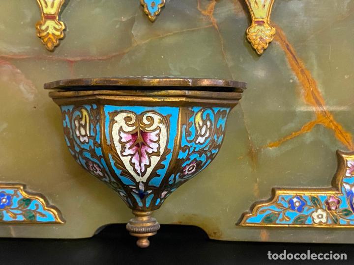 Antigüedades: benditera de 1900 aprox. esmalte cloisonné sobre ónix . virgen pintada a mano - Foto 6 - 221897742