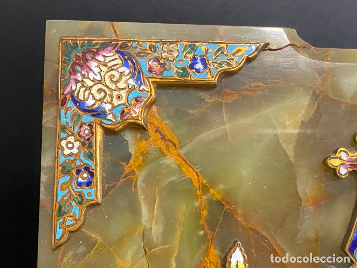 Antigüedades: benditera de 1900 aprox. esmalte cloisonné sobre ónix . virgen pintada a mano - Foto 7 - 221897742