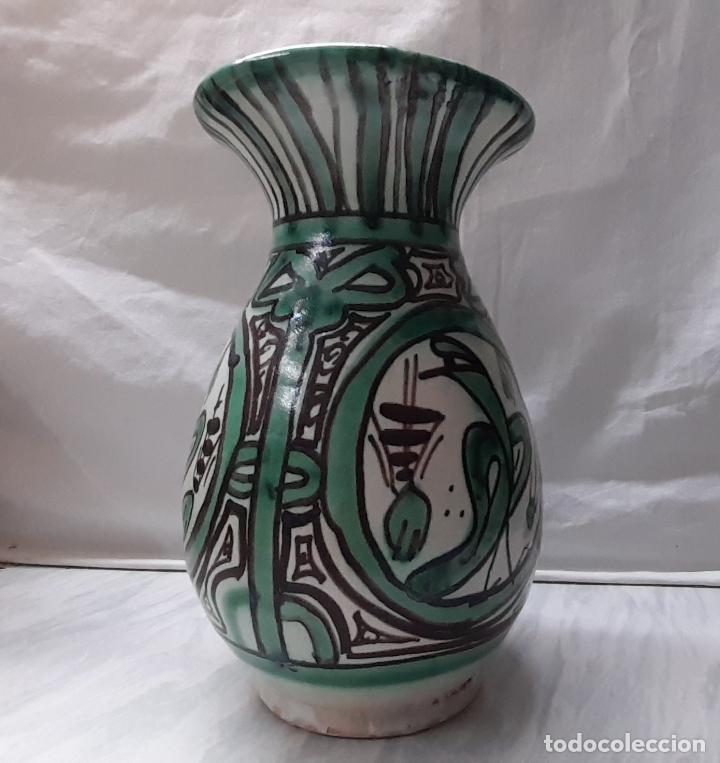 BONITO JARRÓN FLORERO CERÁMICA DE TERUEL - PUNTER . 20CM (Antigüedades - Hogar y Decoración - Floreros Antiguos)