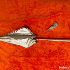 Antigüedades: PARAGUAS , PARASOL ANTIGUO CON MOTIVOS FLORALES BORDADOS , ANTIGUO Y ORIGINAL ,. Lote 221905391