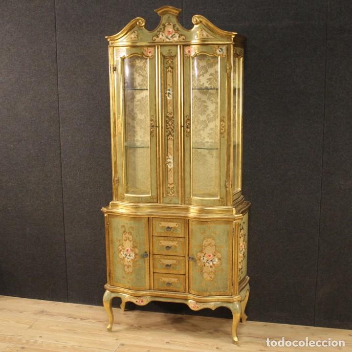Antigüedades: Vitrina toscana lacada, dorada y pintada - Foto 4 - 221912321