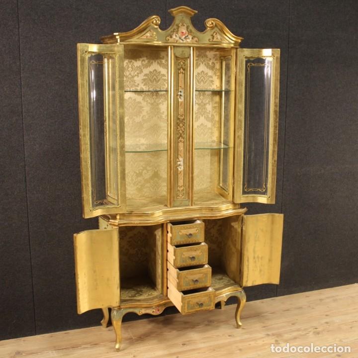 Antigüedades: Vitrina toscana lacada, dorada y pintada - Foto 7 - 221912321