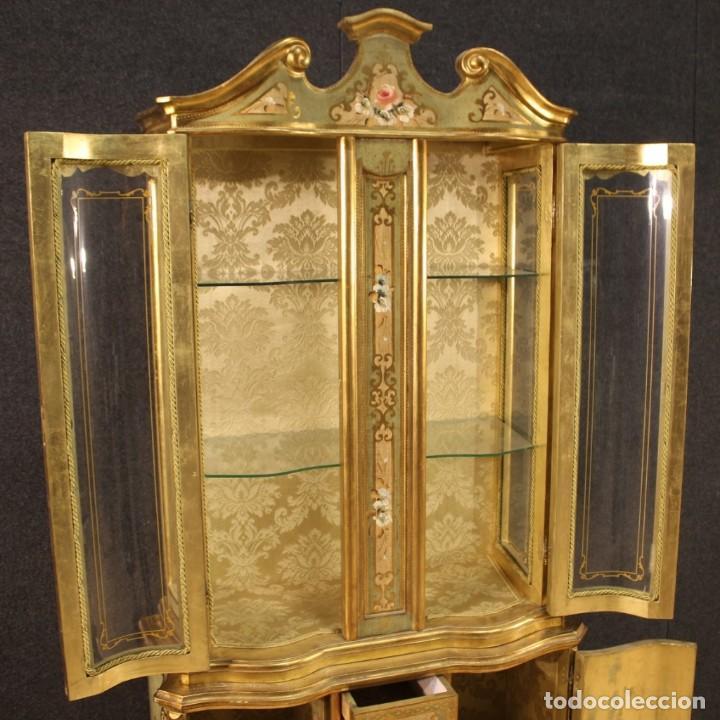 Antigüedades: Vitrina toscana lacada, dorada y pintada - Foto 8 - 221912321