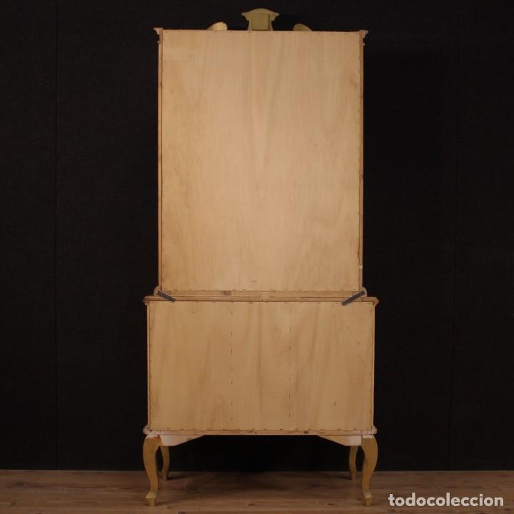 Antigüedades: Vitrina toscana lacada, dorada y pintada - Foto 11 - 221912321