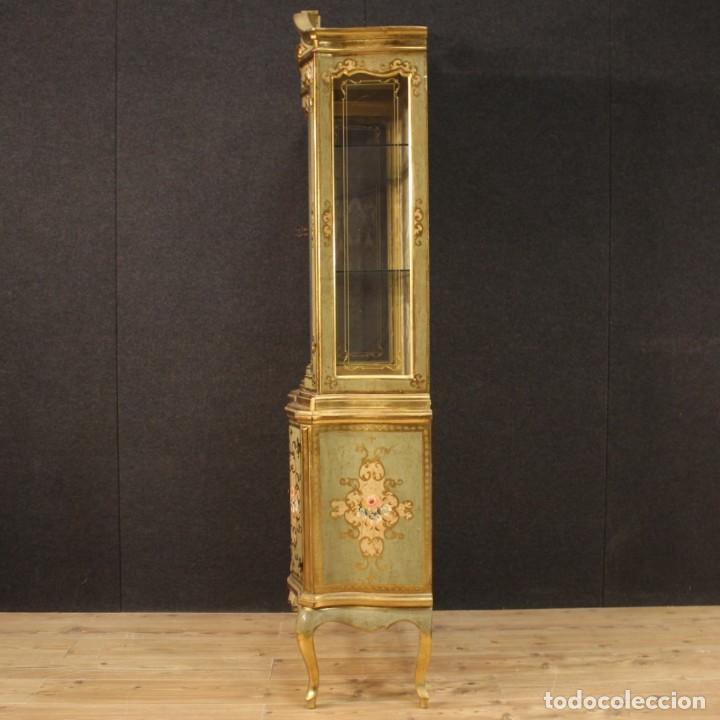 Antigüedades: Vitrina toscana lacada, dorada y pintada - Foto 12 - 221912321