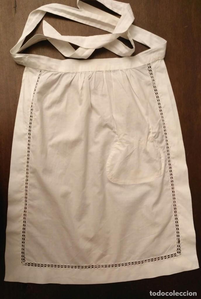 Antigüedades: VD 22 Delantal blanco con bolsillo y puntilla para traje regional i/o disfraz - 28cm x 44cm - Foto 5 - 221941858