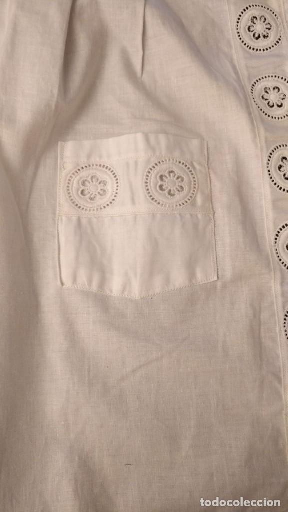 Antigüedades: VD 23 Elegante delantal blanco con bolsillos - traje regional, disfraz y/o doncella - 47cm x 53cm - Foto 4 - 221950210