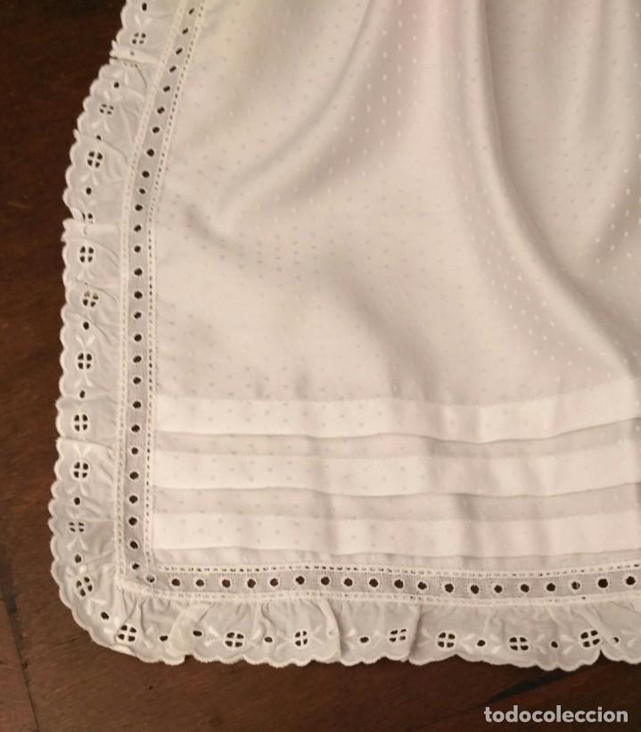 Antigüedades: VD 24 Elegante delantal blanco con vuelo, raso, lorzas y puntilla - traje regional y/o disfraz - Foto 4 - 221952556