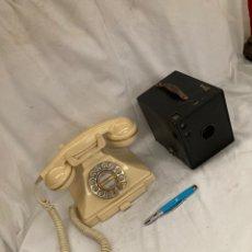 Antigüedades: LOTE TELEFONO Y CAMARA DE FOTOS ANTIGUA!. Lote 221955103