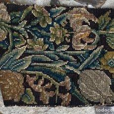Antiguidades: FRANJA LANA TEJIDA BORDADA TELAR ORLA BRUSELAS AUBUSSON FLORES S XVII 390CMS. Lote 222014605